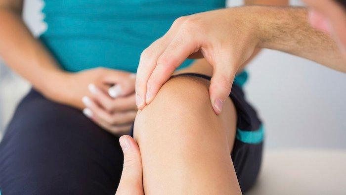 Боль в коленях: причины и лечение