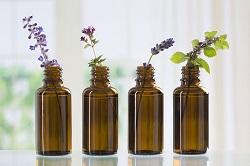Применять эфирные масла следуют, не превышая дозировки. Каждое масло уникально и имеет свои терапевтические свойства.