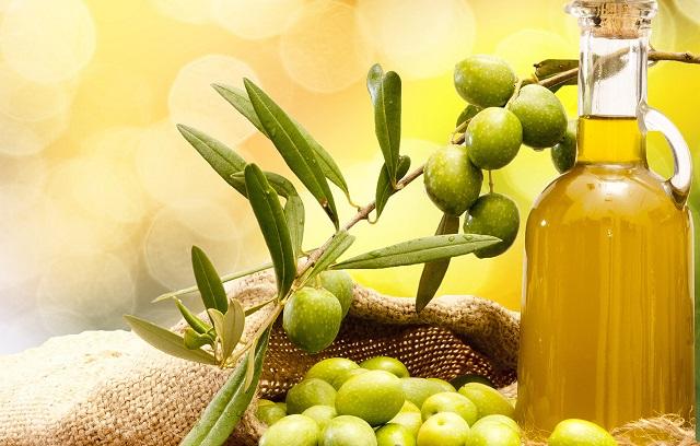 Всем ли подходят маски и крема с оливковым маслом?
